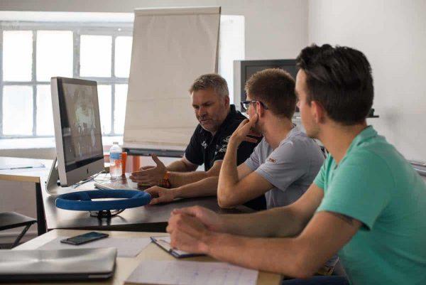Un diagnostic de votre pilotage en vidéo par un coach professionnel Rallye Academie